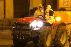 Sabato sera il lavaggio delle strade a cura degli agricoltori