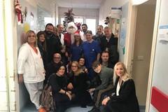 Difendiamo Bisceglie consegna doni al reparto di pediatria dell'ospedale