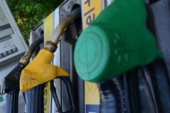 La Polizia Locale sanziona tre gestori di distributori carburanti
