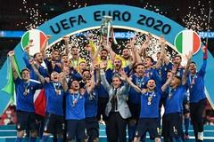 L'Italia trionfa agli Europei, la festa per le strade di Bisceglie