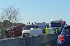 Incidente sulla statale 16 bis in direzione sud, traffico rallentato