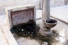 Batteri nell'acqua, bloccata l'erogazione della fontana di via San Lorenzo