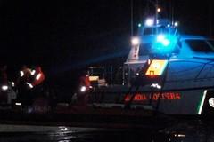 Peschereccio in avaria soccorso dalla Guardia Costiera