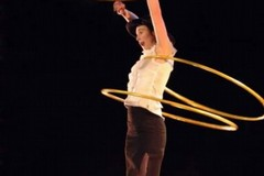 Hula hop d'artista stasera a Bari alla Fiera del Levante