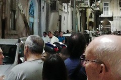 Trambusto in via Pietro Micca per un uomo in escandescenze