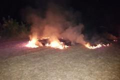 Incendio presso Torre Calderina: a fuoco erba e sterpaglie