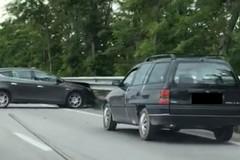 Incidente sulla 16 bis, cinque veicoli coinvolti