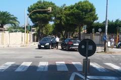 Scontro all'incrocio tra viale La Testa e via Luigi Di Molfetta