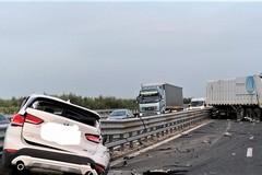 Traffico in tilt sulla statale 16 bis per un grave incidente