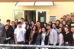 """Donazione di sangue degli studenti del liceo """"da Vinci"""""""