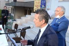 Nicola Losapio torna in scena con la poesia