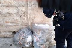 Abbandono di rifiuti, altre 15 sanzioni tra controlli e fototrappole