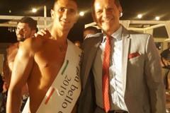 Nicola Losapio incorona il papà più bello d'estate