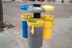 Nuovi cestini per la raccolta differenziata in città