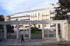 La famiglia di Irene Dell'Olio dona il secondo DigniCap alle pazienti dell'oncologico di Bari