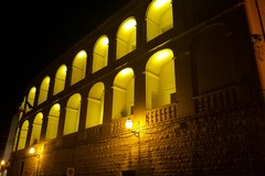 Palazzo San Domenico si illumina di giallo per Patrick Zaki
