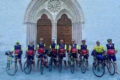 Da Bisceglie alla basilica di San Francesco in sella a una bici
