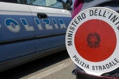 Bambino corre sulla statale 16 bis, tratto in salvo dalle forze dell'ordine