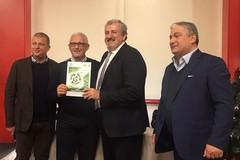 Legambiente al vicesindaco Consiglio: «Restituisca il premio di comune riciclone»