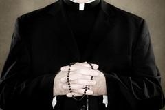 Incontri gay, in un dossier il nome di un sacerdote della Diocesi