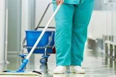 «Scandaloso non vaccinare chi si occupa delle pulizie nelle strutture sanitarie»