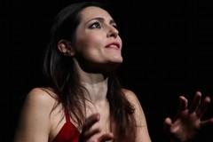 """Roberta Caronia porta in scena """"Ifigenia in Cardiff"""" alle Vecchie Segherie Mastrototaro"""