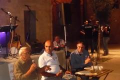 Le rime del poeta biscegliese Nicola Ambrosino conquistano il pubblico di Libri nel Borgo Antico
