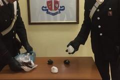 250 grammi di cocaina purissima ritrovati in un ascensore. Caccia ai trafficanti