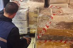 Ha finto un malore per evitare controlli: confiscati 450 kg di pesce