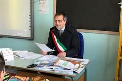 Il sindaco a scuola per rispondere alle domande dei bambini del terzo circolo