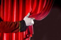 """""""La strana famiglia"""": gli alunni del terzo circolo attori di teatro per tre giorni"""