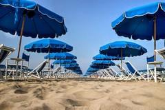 Spiagge, lunedì riaprono i lidi: «Pronta a ripartire solo un'attività su 10»