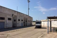 Bisceglie vuole restare sporca: mentre ripuliscono lo stadio Ventura, c'è chi abbandona nuovi rifiuti
