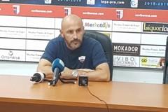 Vincenzo Italiano in conferenza stampa alla vigilia della gara col Bisceglie