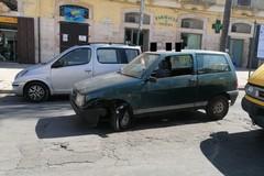 Ruba una vecchia auto, rapina un'ottica ma i Carabinieri lo acciuffano