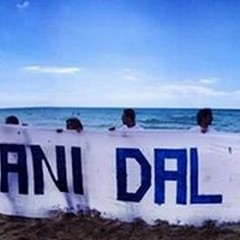 Bisceglie 5 Stelle promuove una domenica in spiaggia: «per difendere il nostro mare»