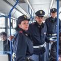 Bus navetta, Cinque stelle in moVimento:  «Servono smartcard e vigili a bordo»