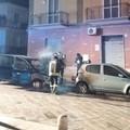 Due auto in fiamme in via Trento