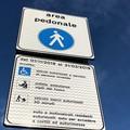 Un cartello mette in apprensione gli operatori di via La Spiaggia