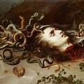 TupputIncontri: a Bisceglie Giuseppe Fraccalvieri parla del mito di Medusa