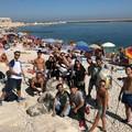 """L'associazione  """"Muvt """" si presenta con una pulizia sulla spiaggia"""