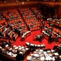 Il Governo ottiene una risicata fiducia in Senato