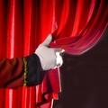 """""""La strana famiglia """": gli alunni del terzo circolo attori di teatro per tre giorni"""