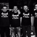 Continua il viaggio tra le canzoni italiane d'autore con la Tienamente band