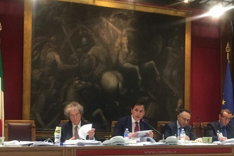 Manovra finanziaria testo pronto per il voto della camera for Commissione bilancio camera