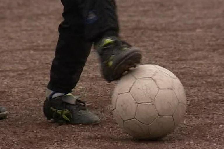 Calcio su terra battuta