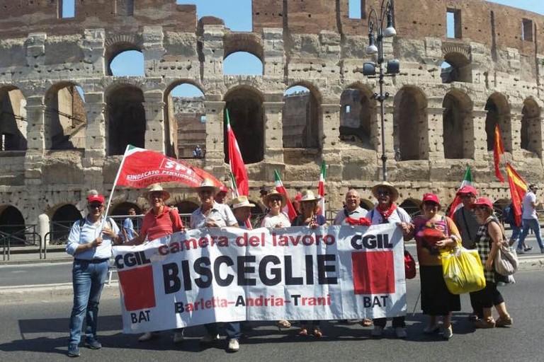 Militanti biscegliesi della Cgil a Roma