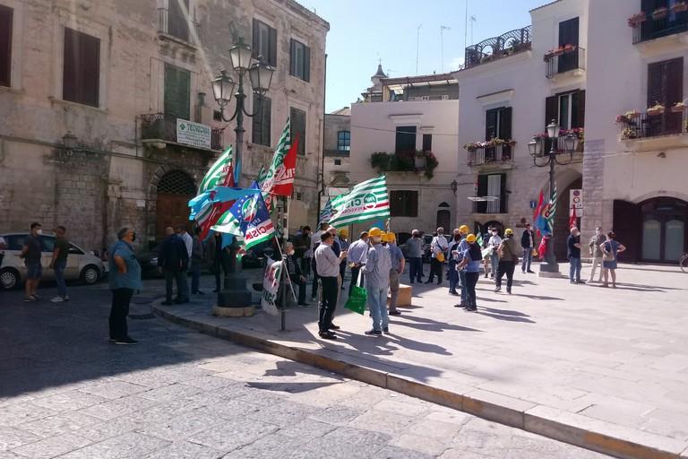Manifestazioni sindacali davanti alla Prefettura di Barletta
