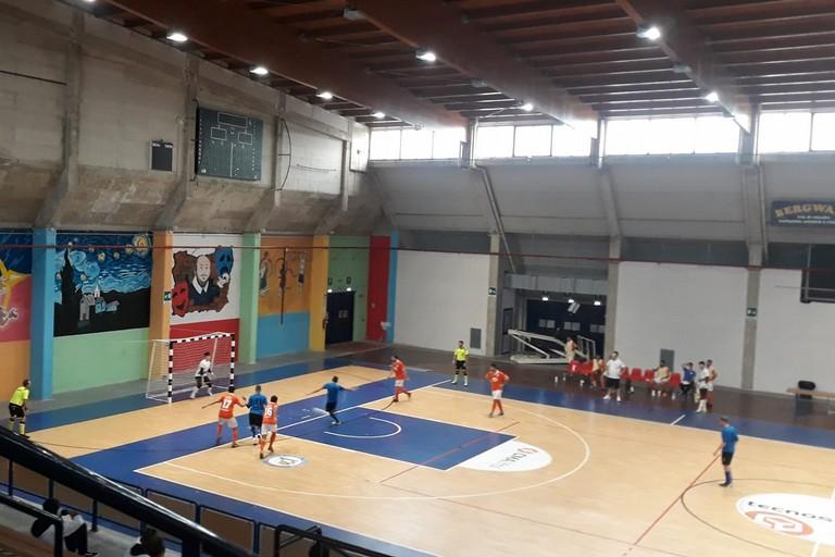 Il rigore realizzato da Cassanelli del Futbol Cinco Bisceglie. <span>Foto Nico Colangelo</span>