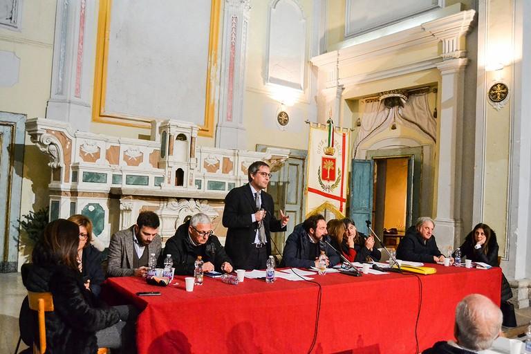 Il sindaco di Bisceglie Angelantonio Angarano in consiglio comunale